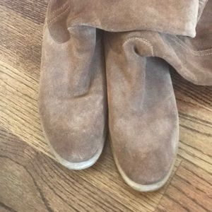 Brown suede Bronx boots